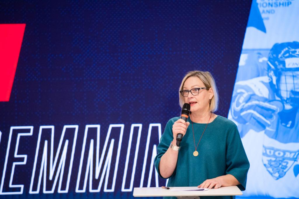 NJKL:n puheenjohtaja Eva Biaudet.